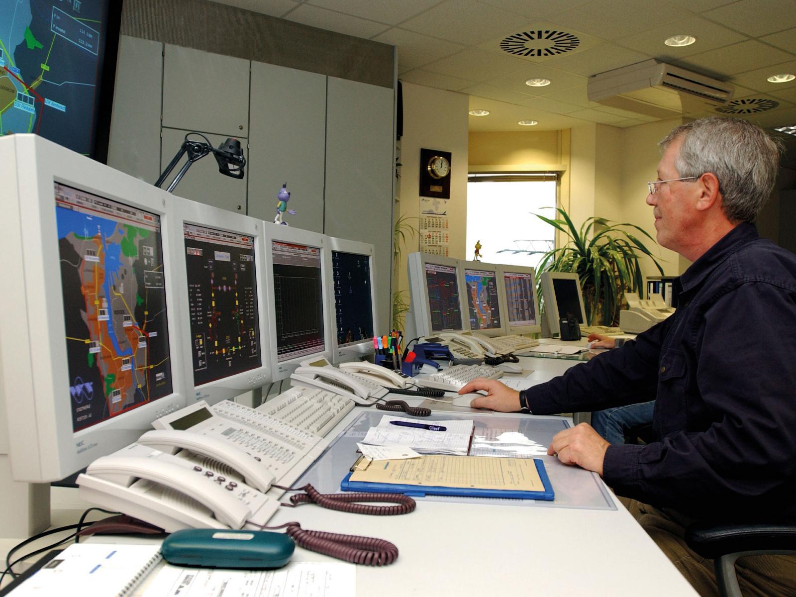 2001 - Unsere Leitstelle wird zentraler Anlaufpunkt für Energie-Notrufe