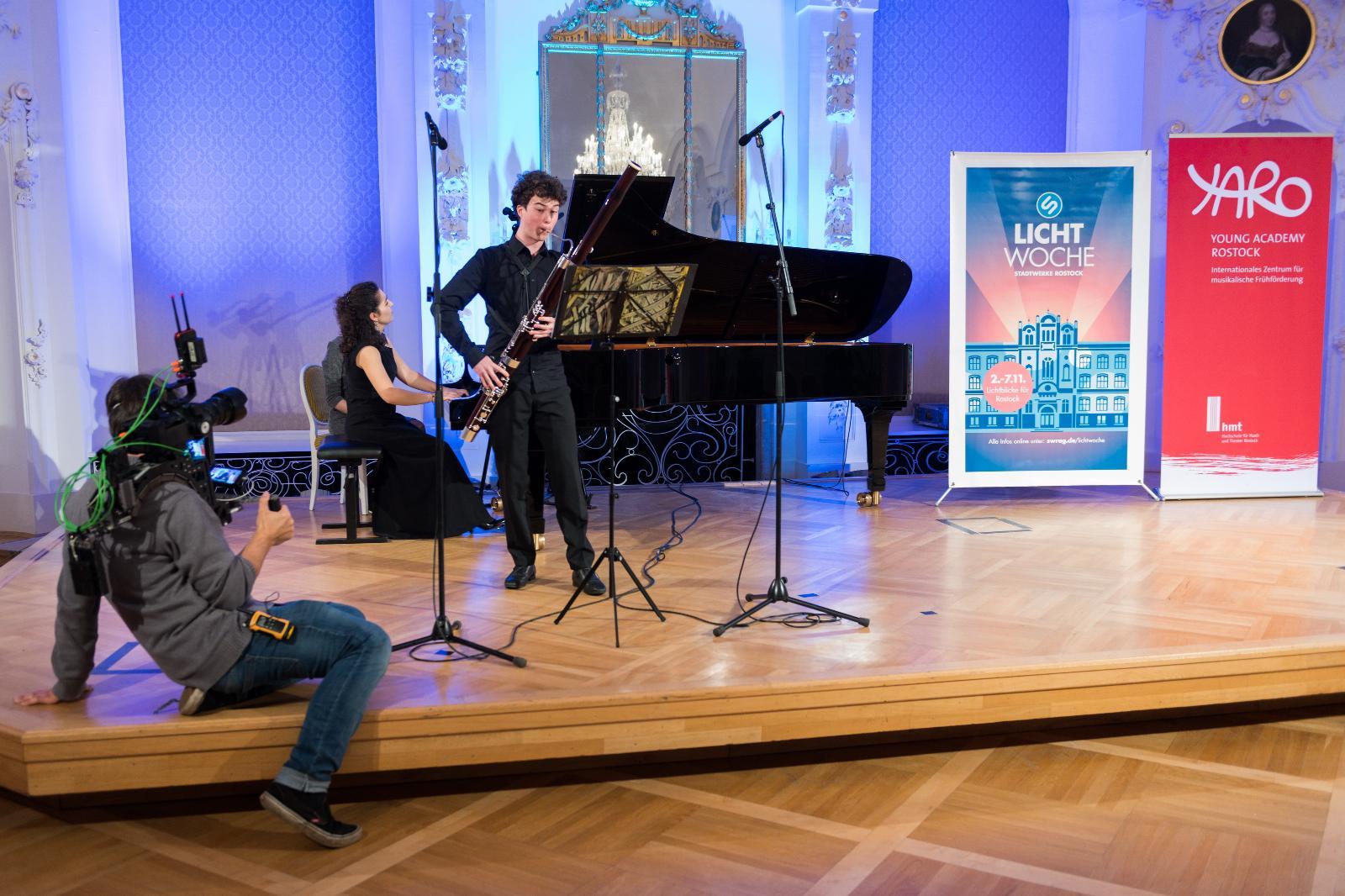 Tradition während der Lichtwoche: Das Benefizkonzert zusammen mit der Yaro. Foto: Margit Wild