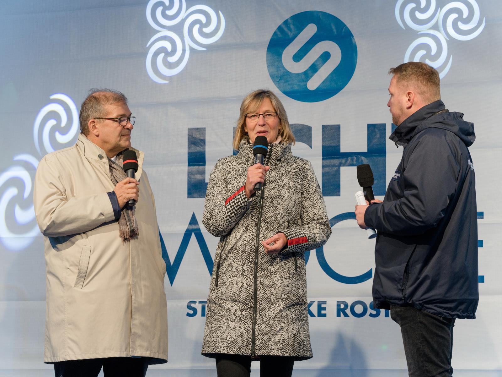 Ute Römer (Vorstand SWR) und der Rektor der Universität, Prof. Scharek, erzählten über die erfolgreiche Zusammenarbeit zwischen den Stadtwerken und der Rostocker Uni
