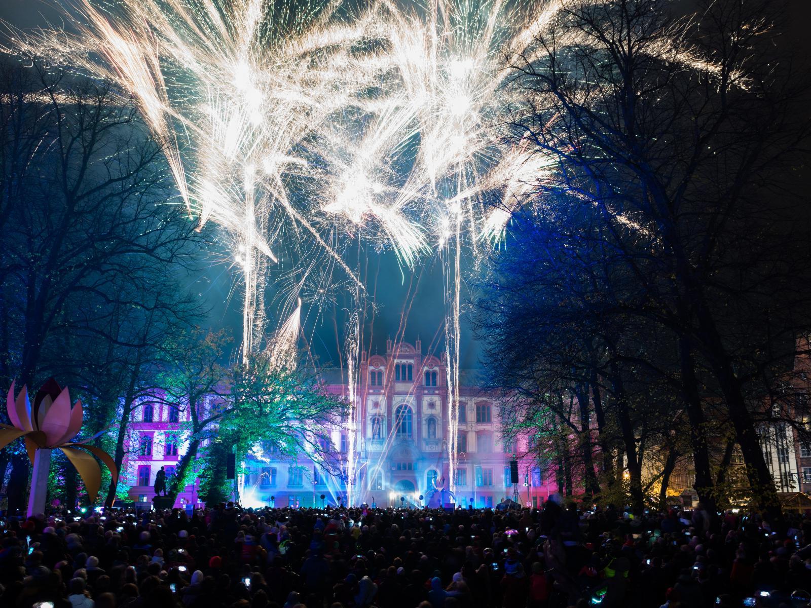 Beeindruckende Augenblicke beim großen Feuerwerk