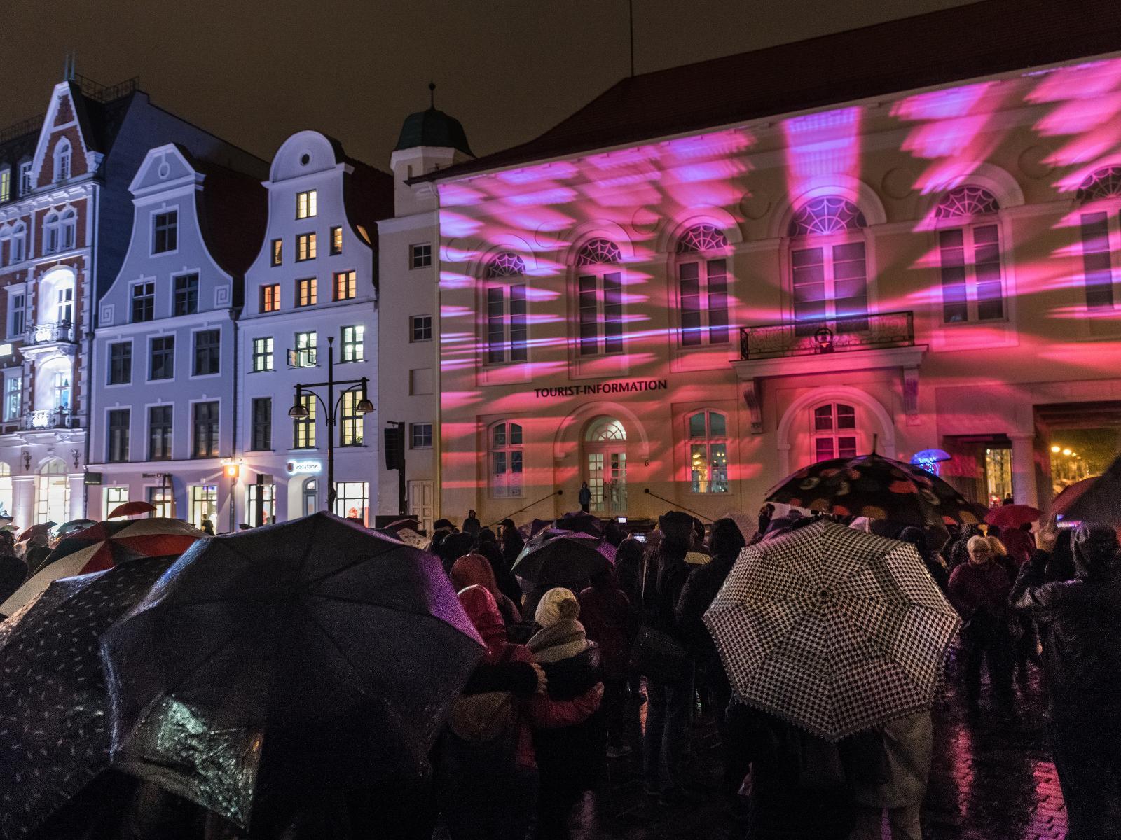 Pixel-Mapping-Show zur Eröffnung der Lichtwoche