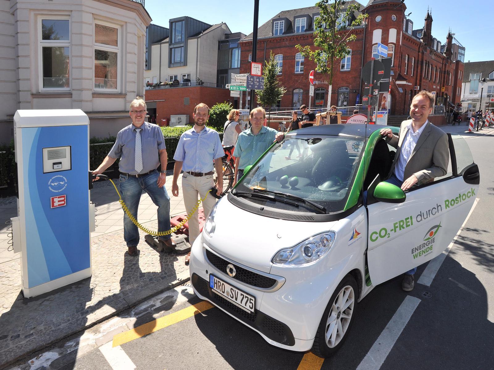 2012 - Wir errichten die ersten öffentlichen Ladestationen für Elektrofahrzeuge in Rostock
